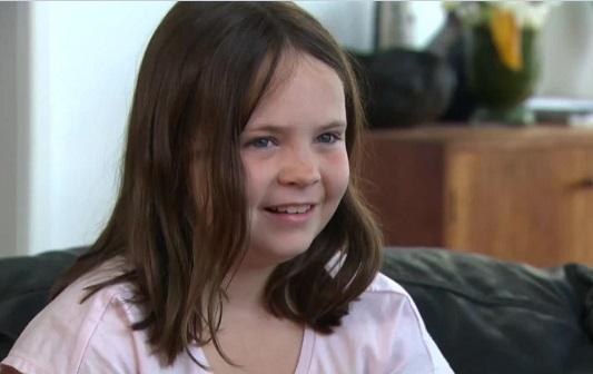 Australian politicians attack girl nine over anthem protest