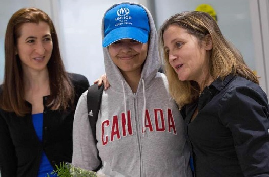 Saudi runaway arrives in Canada after being granted asylum