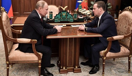 Russian PM quits over Putin's plans
