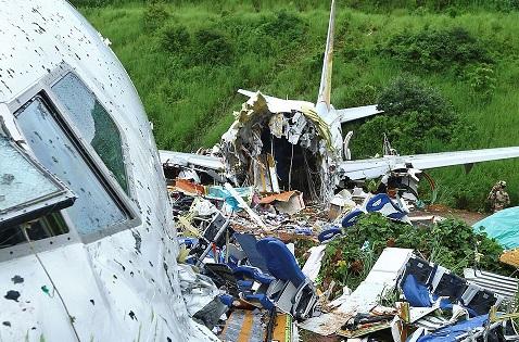 Survivors of deadly India crash say plane swayed violently